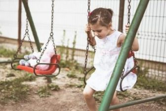 28 Best Toddler Swing Sets: Reviewed for 2021