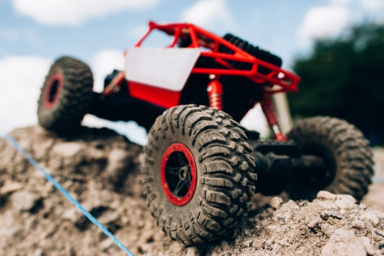 24 Best RC Rock Crawlers & Scalers for 2020
