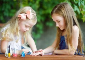 15 Best Fake Press On Nails Your Daughter Will Absolutely Love